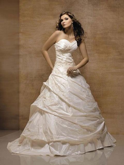 Где можно купить красивое вечернее платье в перми