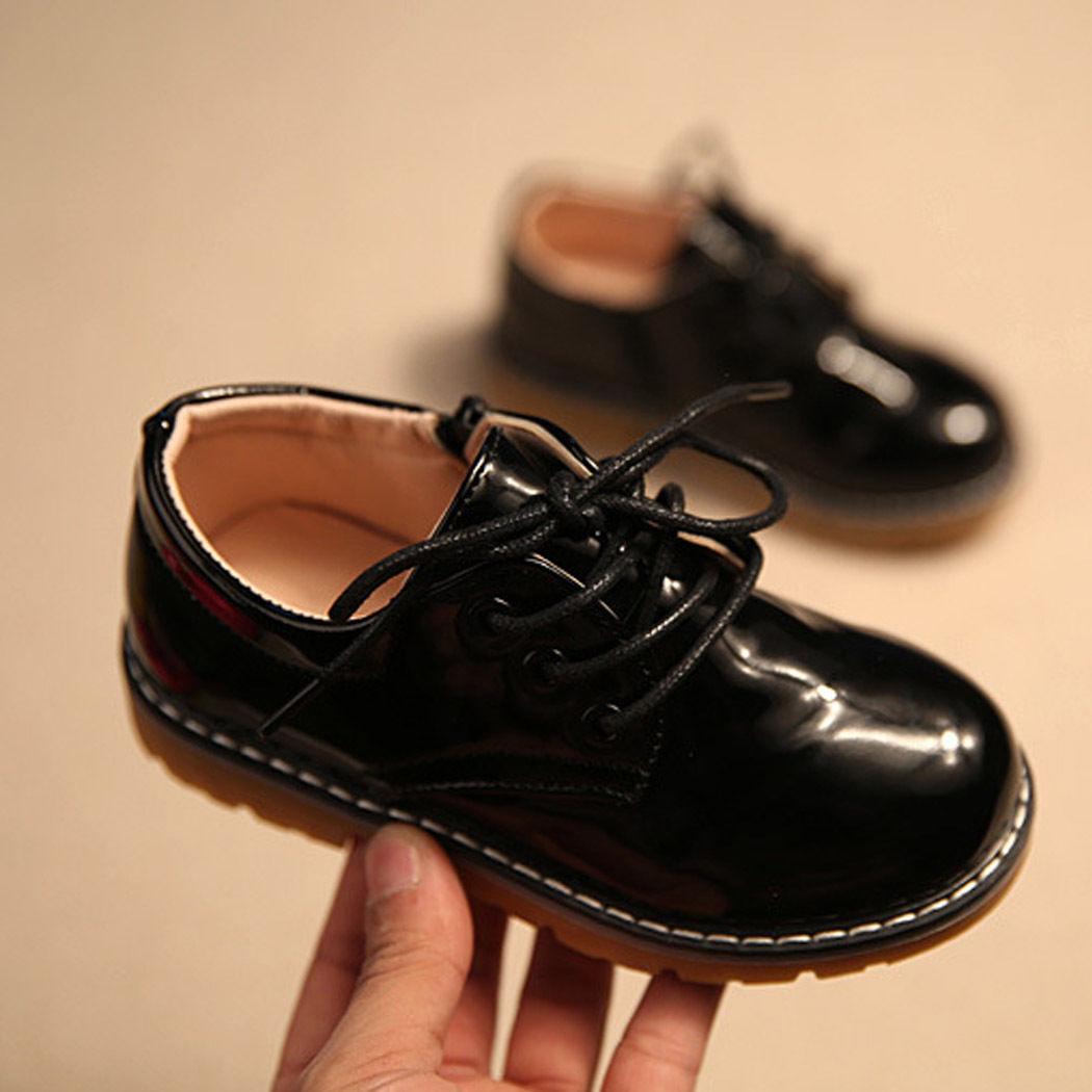 Černé společenské chlapecké boty 143a36b4f3