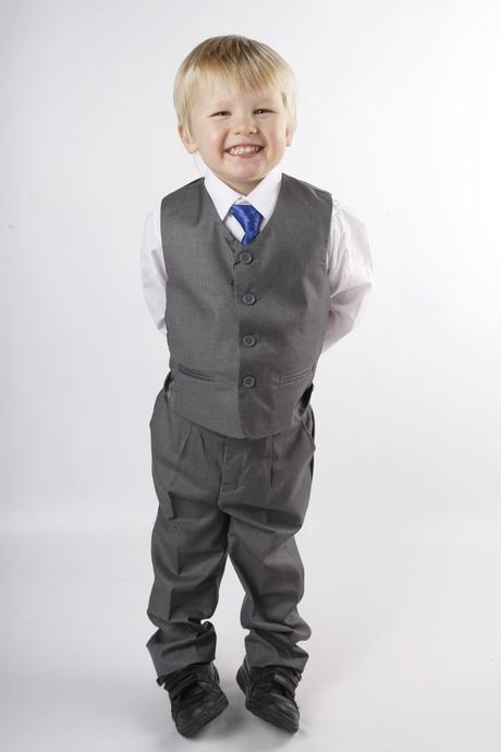 AKCE - půjčovné šedý oblek, 6,7,8 let, 134