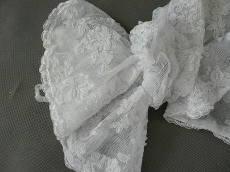 Bílé krajkové svatební bolerko, S-M,