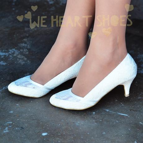 bílé krajkové svatební lodičky, nízký podpatek, 37