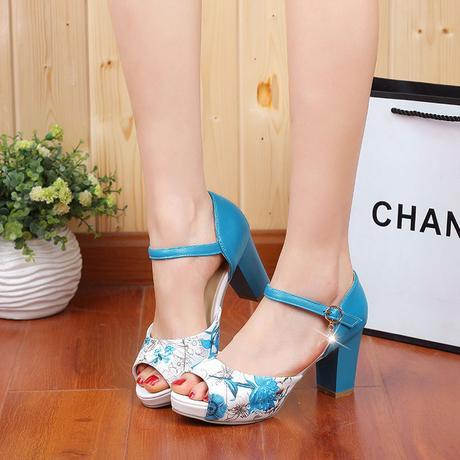 Bílé květované letní sandálky, 34-42, 38