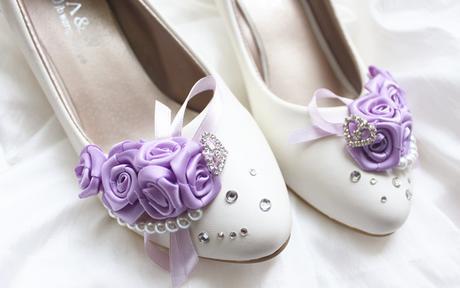 Bílé lodičky, lilla zdobení, různý podpatek, 35