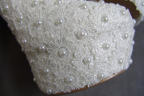 Bílé perličkové lodičky, reálné foto,14cm podpatek, 35