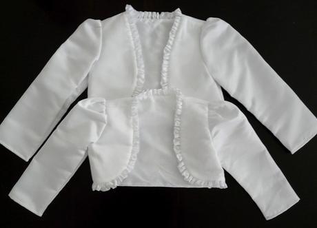 Bílé saténové bolerko 5-6 let - půjčovné, 116