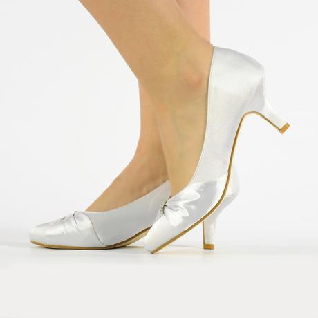 Bílé saténové svatební lodičky, nízký podpatek, 38