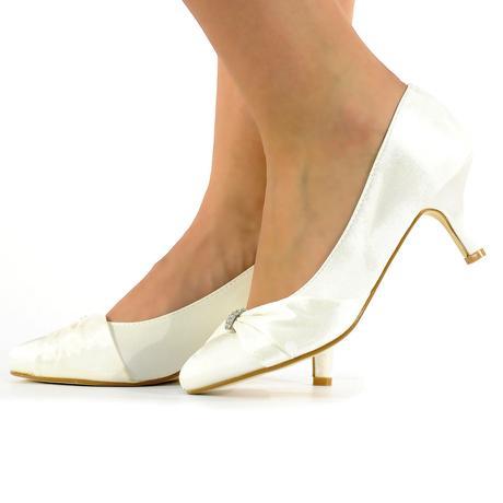 Bílé saténové svatební lodičky, nízký podpatek, 40