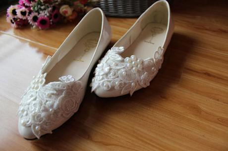 Bílé svatební balerínky, zdobené krajkou, 34-39, 38