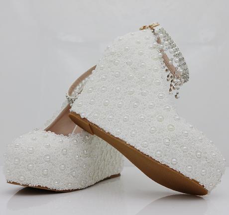 Bílé svatební lodičky, klínek, perličky, kytičky, 35