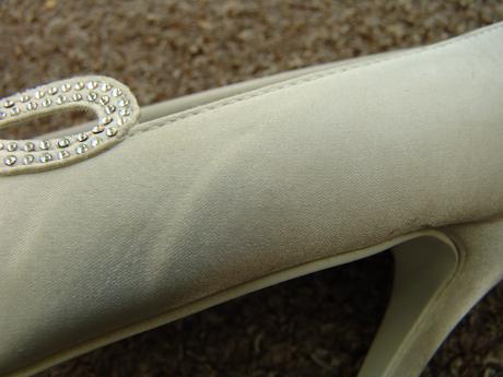 Bílé svatební lodičky, menší vady, 38
