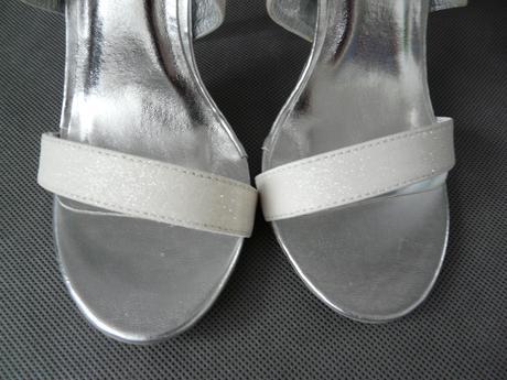 Bílé třpytivé sandálky, 36