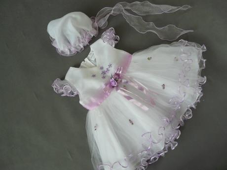 Bílo-fialové šaty pro princezny, s čepičkou, křtin, 80