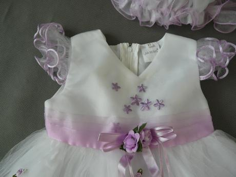 Bílo-fialové šaty pro princezny, s čepičkou, křtin, 98