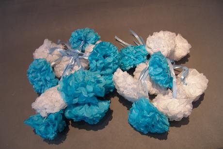 Bílo-modrá dekorace květiny 20ks,