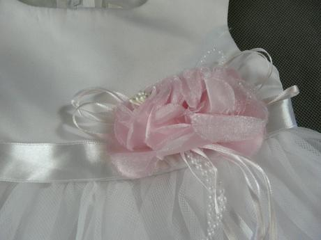Bílo-růžové šaty na vítání občánků, svatby, půjčov, 80