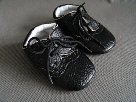 Černé capáčky - 12,7cm, 20
