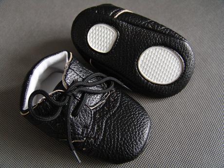 Černé capáčky - 12,7cm, 80