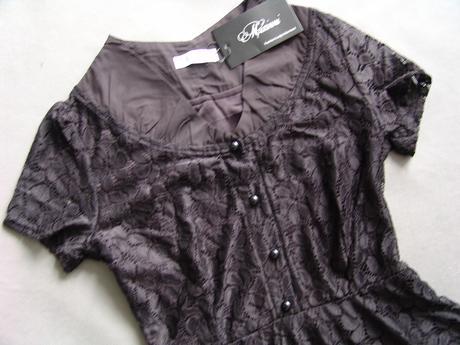 Černé krajkové společenské šaty, 36