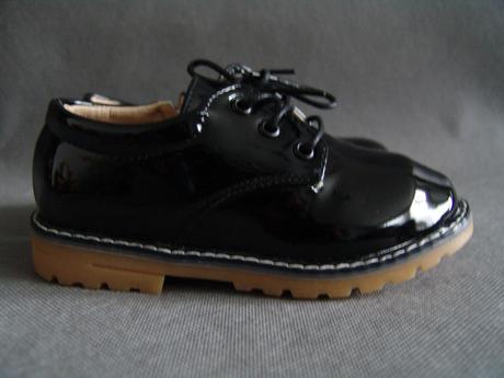 Černé lakované boty - 18cm, 28