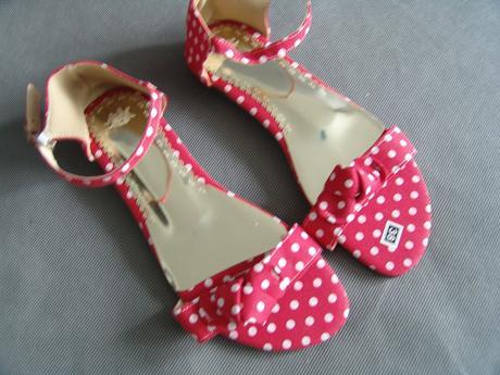 Červené puntíkaté sandálky - 38, 38
