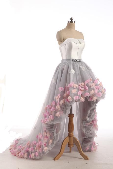 Extravagantní svatební, společenské šaty, 42