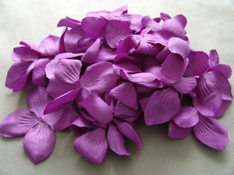 Fialová dekorace, květiny, okvětní lístky,