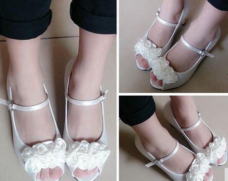 Ivory (bílé) společenské sandálky pro družičky, 32
