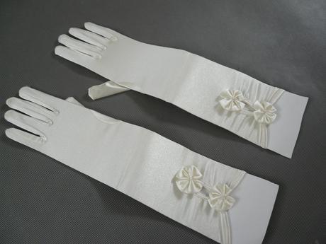 Ivory saténové svatební rukavičky,