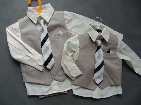 K zapůjčení - béžový oblek 6-12 měsíců a 3-4 roky, 62