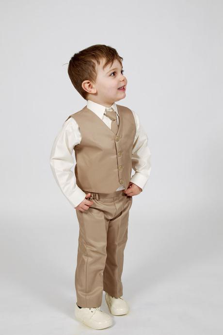 K zapůjčení - hnědý, béžový oblek 4 a 5 let, 116