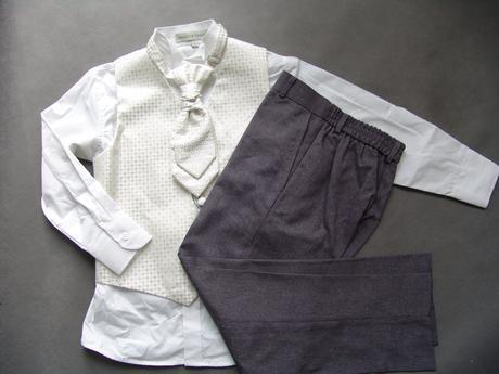 K zapůjčení - ivory oblek, šedé kalhoty, různé vel, 146