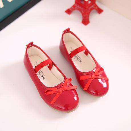 K zapůjčení - šaty + boty, 104