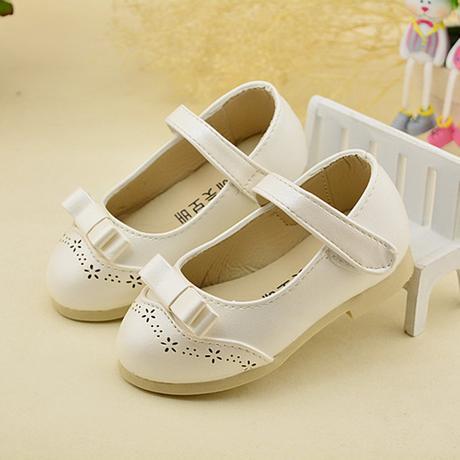 K zapůjčení - šaty + boty, 128