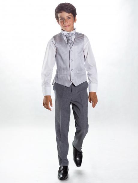 K zapůjčení - šedý oblek - možno se sakem 7 a 11 l, 116