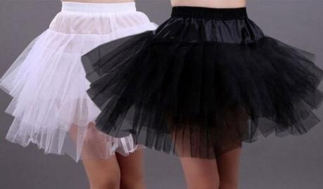 Krátká spodnička pod šaty, 158