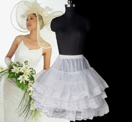 Krátká svatební spodnička, i pro družičky,