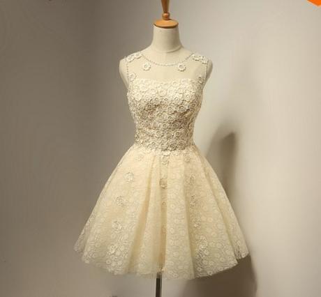 Krátké champagne společenské šaty, popůlnočky, 34