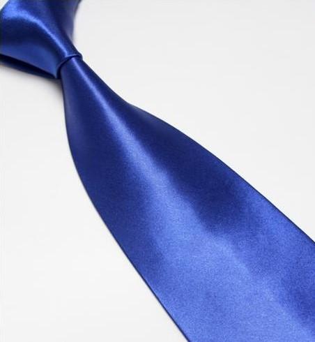 Modrá klasická pánská kravata,