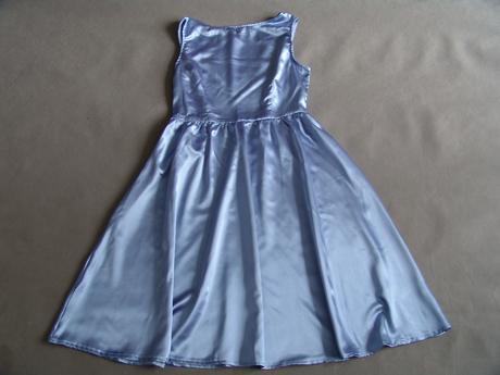 Modré saténové šaty, různé velikosti, 158