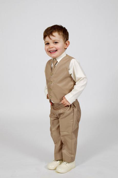 NOVINKA - béžový oblek, půjčovné, 3m-9 let, 68