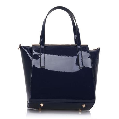 NOVINKA - černá lakovaná kabelka s leopardím vzore,