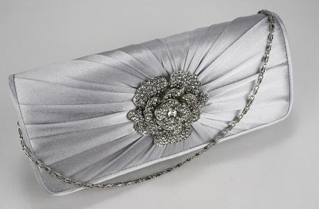 NOVINKA - ivory kabelka nejenom pro nevěstu,