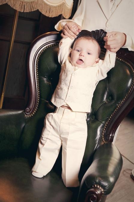 NOVINKA - oblek pro chlapce k prodeji, celokrémový, 122