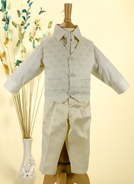 NOVINKA - oblek pro chlapce k prodeji, celokrémový, 110