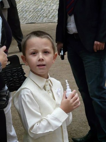 NOVINKA - oblek pro chlapce k prodeji, i se sakem, 92