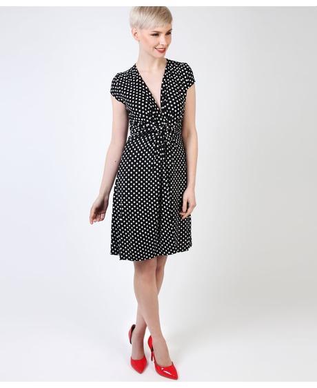 NOVINKA - puntíkaté letní, společenské šaty, 42