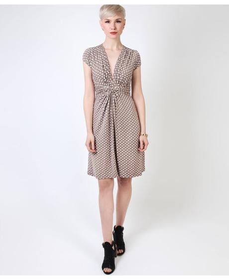 NOVINKA - puntíkaté letní, společenské šaty, 48