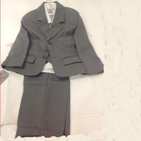 NOVINKA - šedý společenský oblek i se sakem, 128
