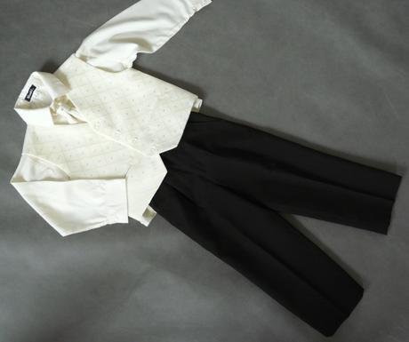 Oblek krémový, 0-3 měsíce - půjčovné, 56
