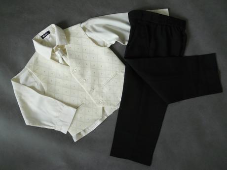 Oblek krémový, 0-3 měsíce - půjčovné, 62
